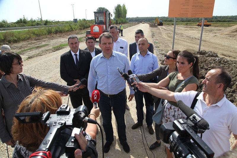Мировић у Шиду: Јачање индустријских зона основни предуслов за привлачење инвеститора