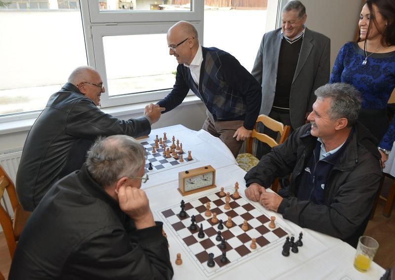 Градоначелник посетио Клуб за стара и одрасла лица у Футогу