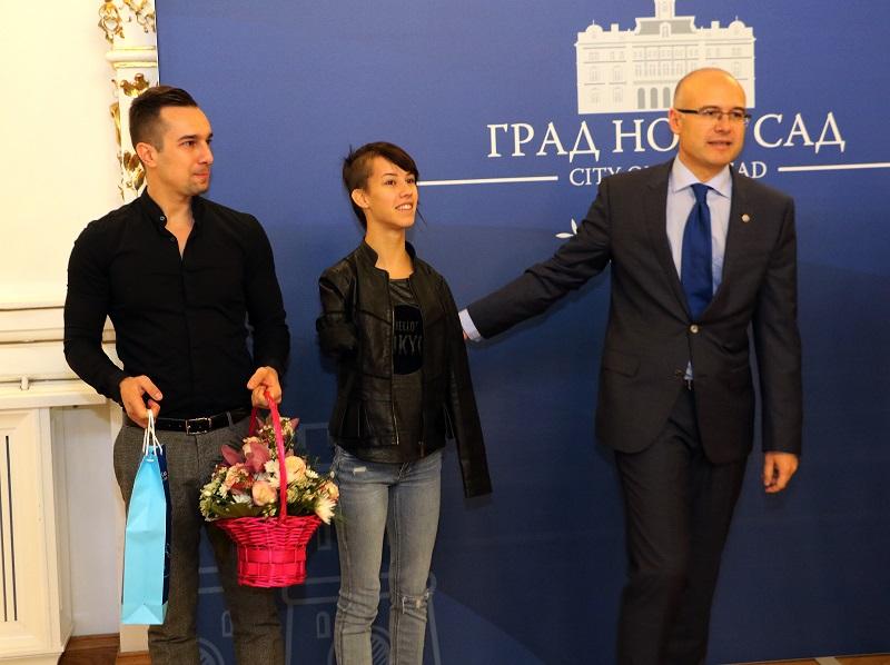 Српска репрезентативка у паратеквандоу у градској кући