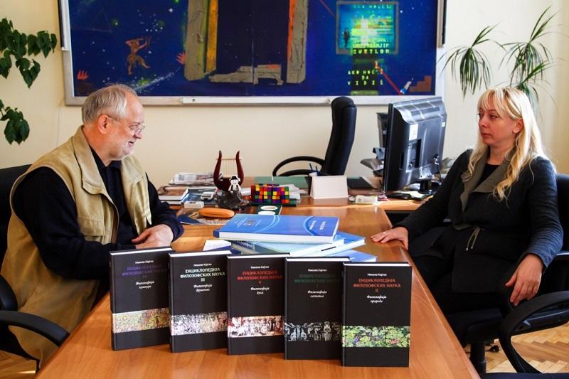 Штаткић Заводу за културу Војводине честитао награду на Сајму књига
