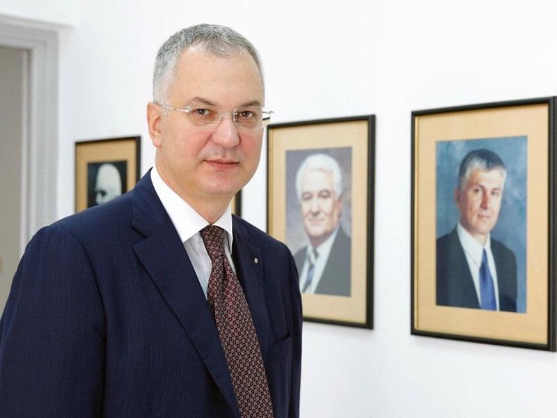 Шутановац одговорио Зорани Михајловић: Док су неки палили град, ја сам бранио Б92