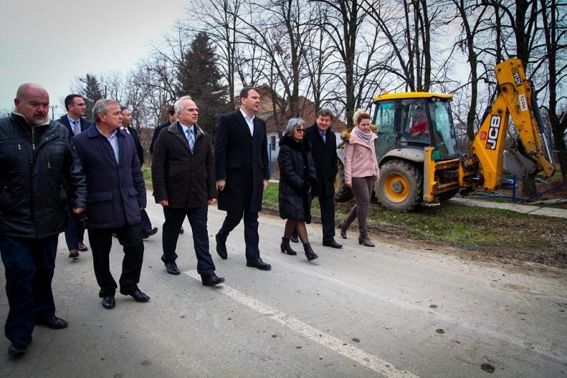 Председник Мировић обишао општину Пећинци