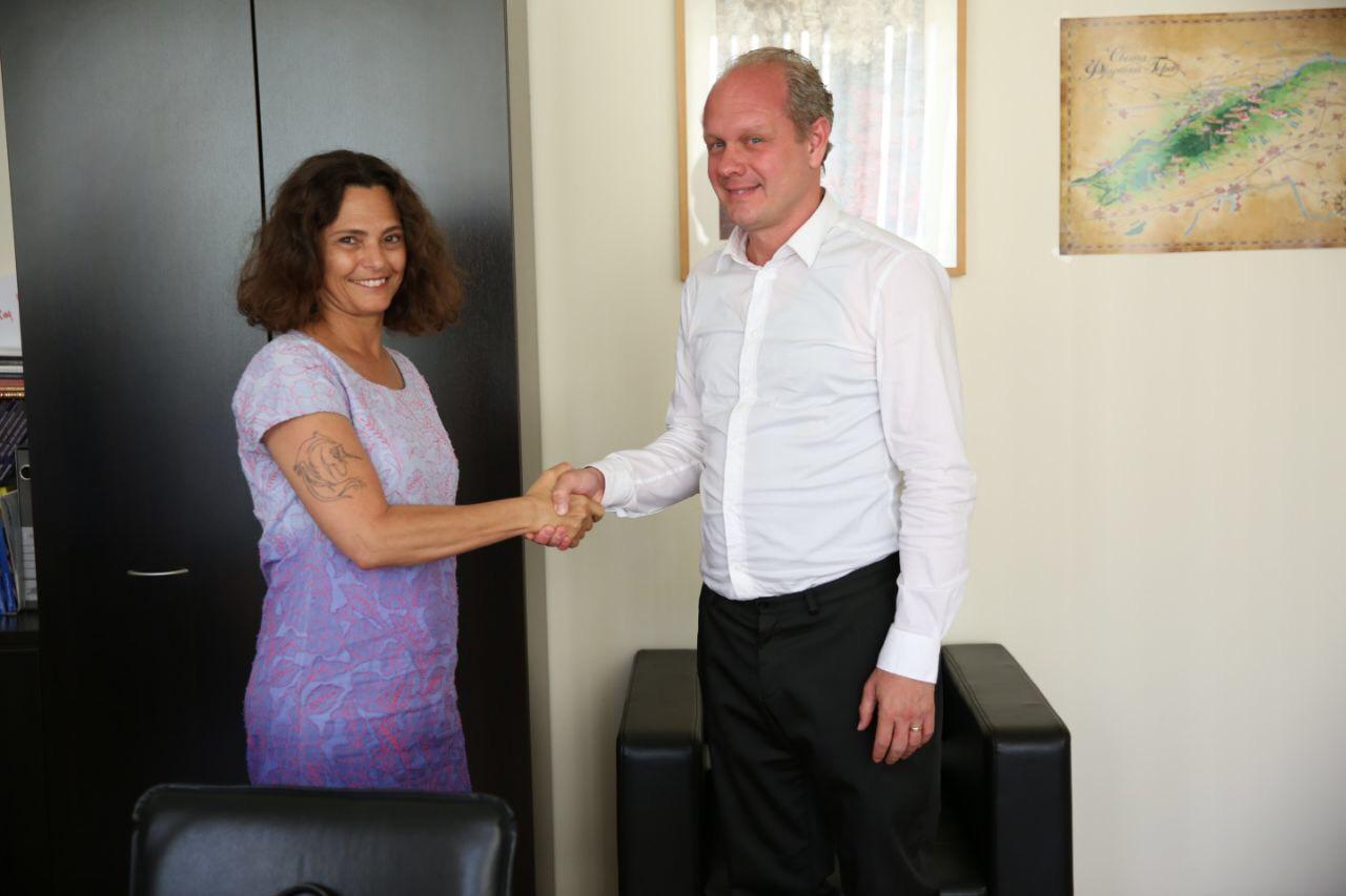 Susret direktora KCNS-a i ambasadorke Izraela u Srbiji