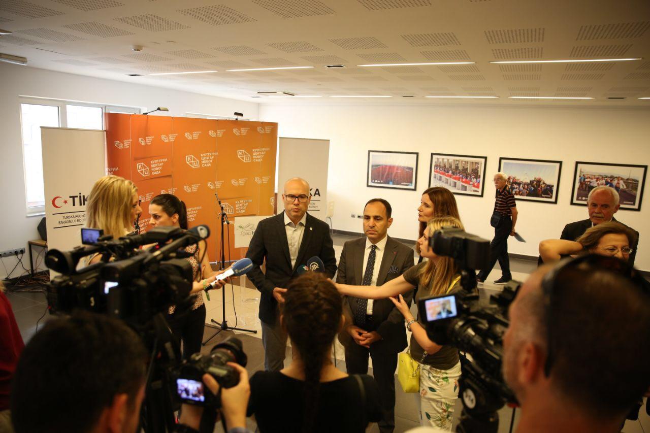 """Otvorena izložba fotografija """"15. jul – dan demokratije i nacionalnog jedinstva"""""""