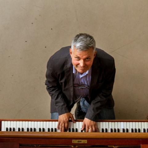 """Koncert podrške akciji """"Živeti uspravno 0,1 %"""" – Happy moments: Aleksandar Dujin orkestra"""