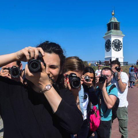 "IZLOŽBA FOTOGRAFIJA POLAZNIKA ""FABRIKE FOTOGRAFA"" 20. MAJA U KCNS"