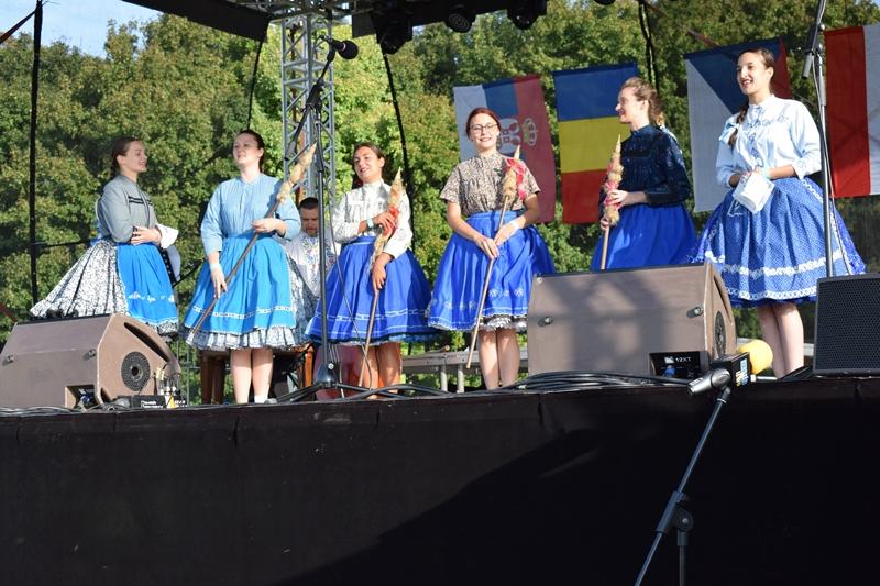 ŠAFARIKOVCI SU NAS PREDSTAVLJALI NA FESTIVALU U SLOVAČKOJ / ŠAFÁRIKOVCI BOLI NAŠIMI PREDSTAVITEĽMI NA FESTIVALE NA SLOVENSKU