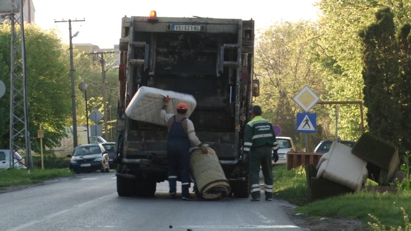 """ВРБАС: ОДНОШЕЊЕ КАБАСТОГ ОТПАДА ЈКП Комуналац:  """"Припремите кабасти отпад за 12. октобар"""""""