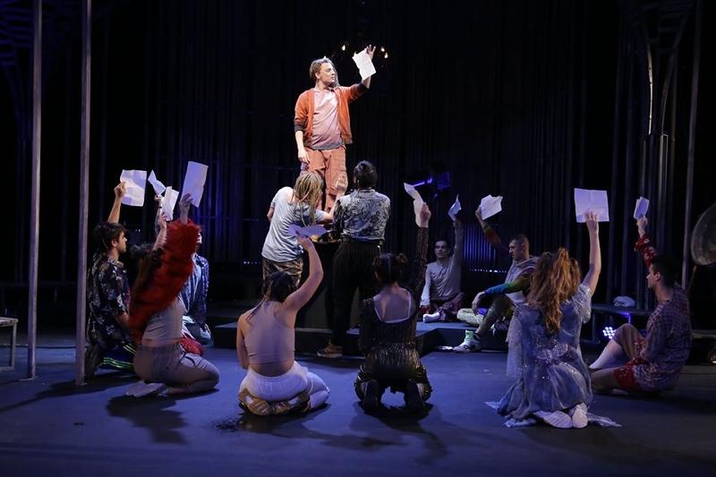 ŠTA TO BEŠE HIPI POKRET?! Pozor! Pozorište! – piše Dragoljub Selaković