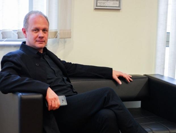 PANAOTOVIĆ:JADI(POZNOG) DEŽULOVIĆA(ili kako ispljuvati sredinu u kojoj si dobrodošao) Direktor Kulturnog centra Novog Sada, Bojan Panaotović za portal Vojvođanske vesti