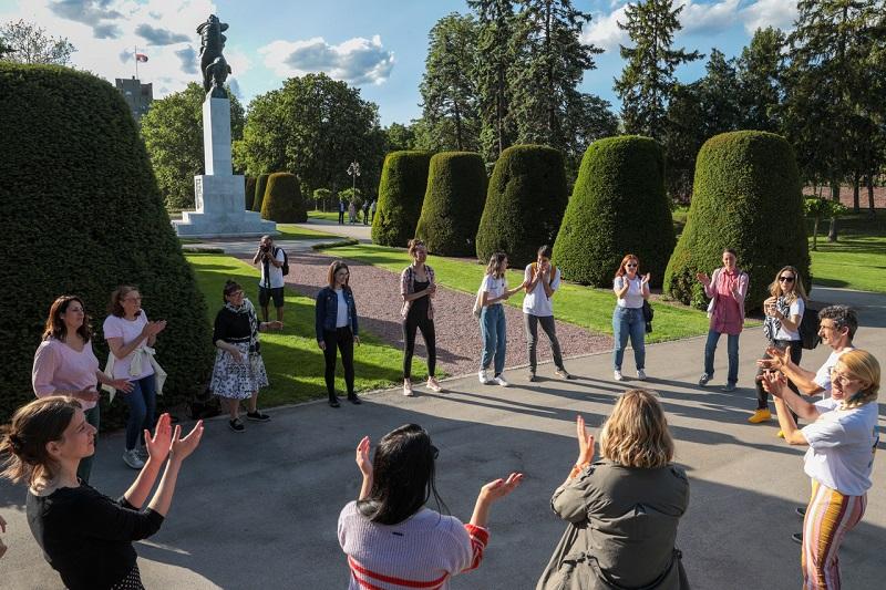 ALICE IN WONDERBAND 28. AVGUSTA U SREMSKIM KARLOVCIMA Događaj je u organizaciji TO Sremski Karlovci.